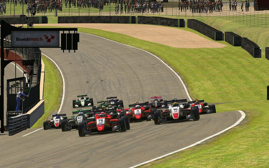 Luke extends iRacing Trophy lead at Brands Hatch