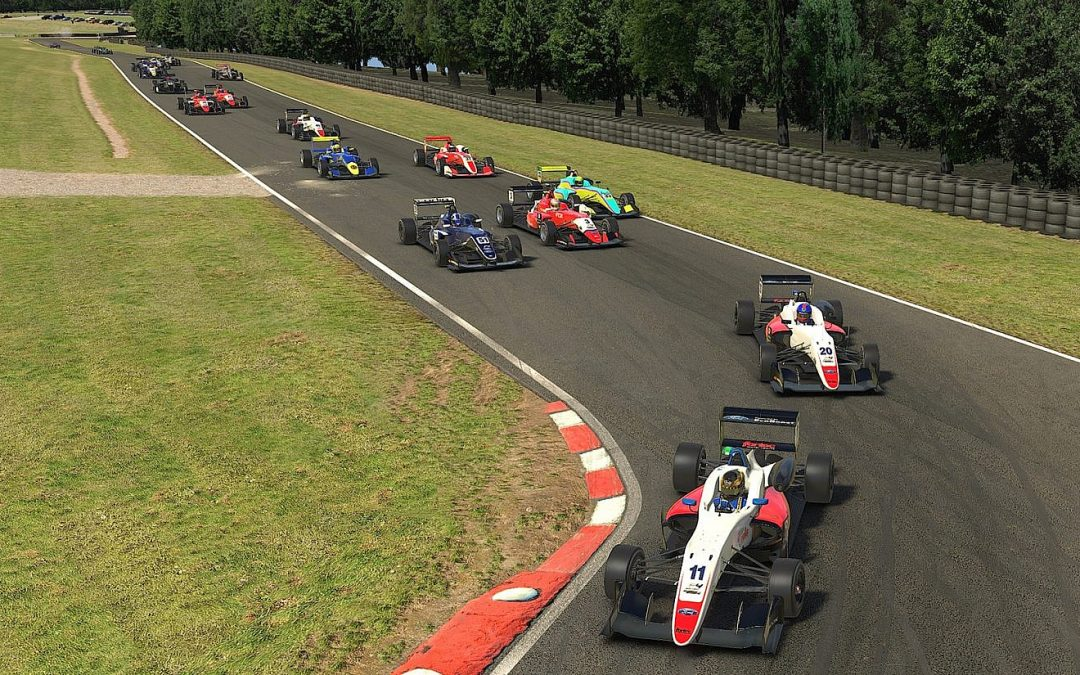 Luke adds to iRacing Trophy victory tally at Oulton Park