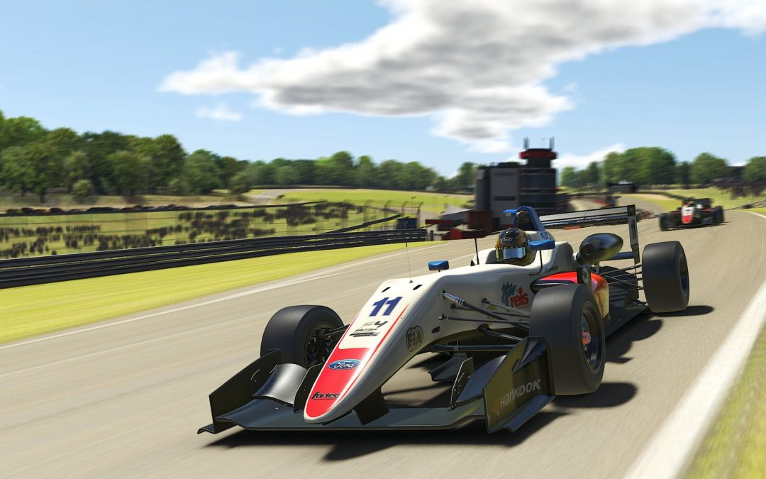 Luke wraps up second after dramatic iRacing Trophy finale