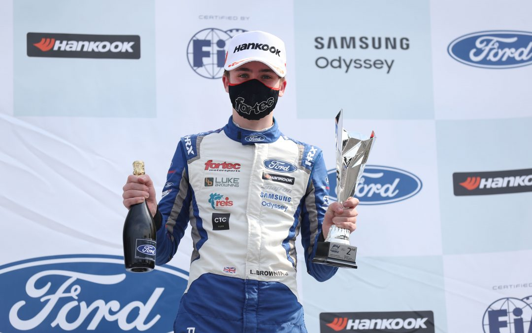 Double podium maintains Luke's title challenge at Brands Hatch